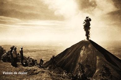Erupcion Volcan de Izalco (Faro del Pacifico), El Salvador