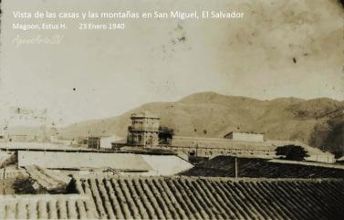 Vista de las casas y las montañas en San Miguel, El Salvador
