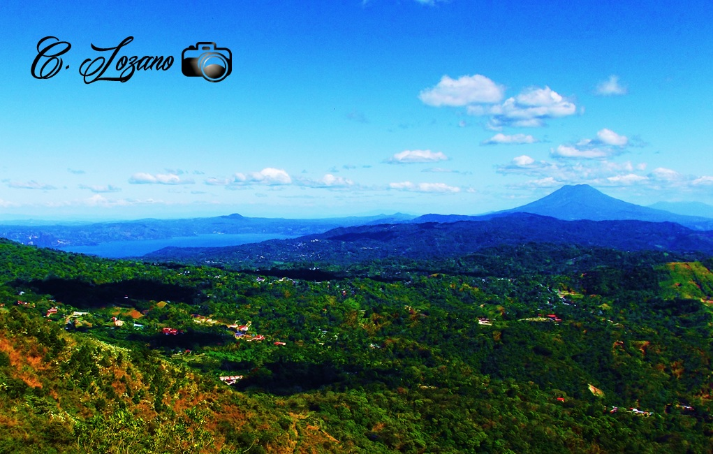 Lago de Ilopango y Volcan de San Vicente