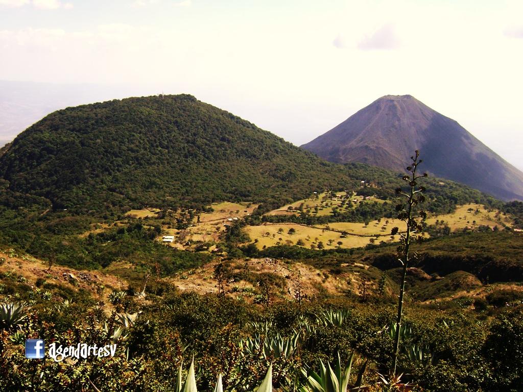 Cerro Verde y Volcan de Izalco, El Salvador