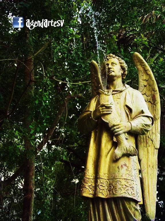 Fuente en la plaza de Santiago de Maria, Usulutan