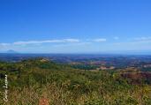 Vista panoramica del Volcan de San Vicente y la Costa del Pacifico desde el Peñon de Comasagua, El Salvador